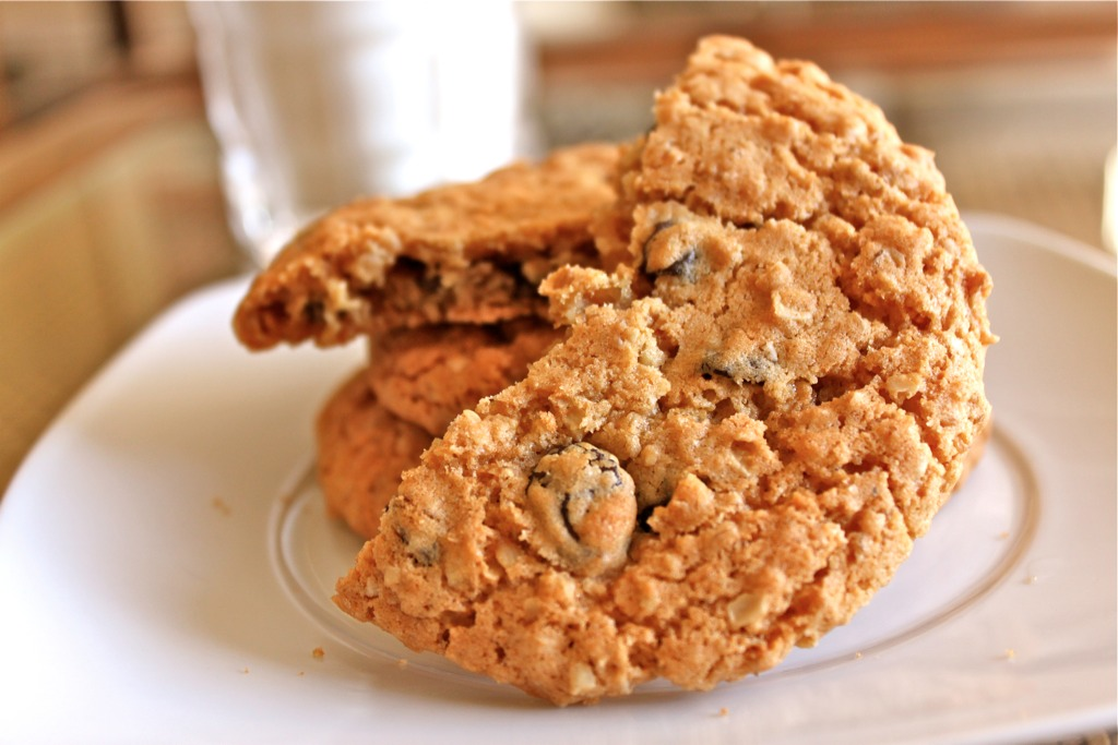 Chocolate cookies over any other cookies but these oatmeal cookies ...