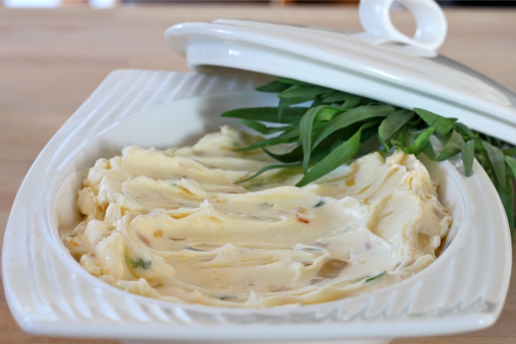 Roasted Garlic, Caramelized Shallots and Tarragon Whipped Butter - I ...
