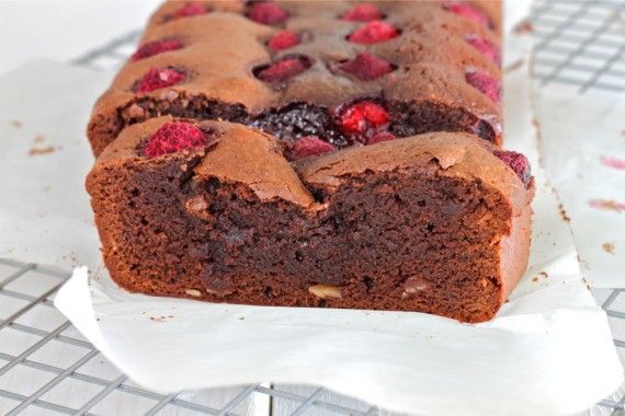 brownies with raspberries slice